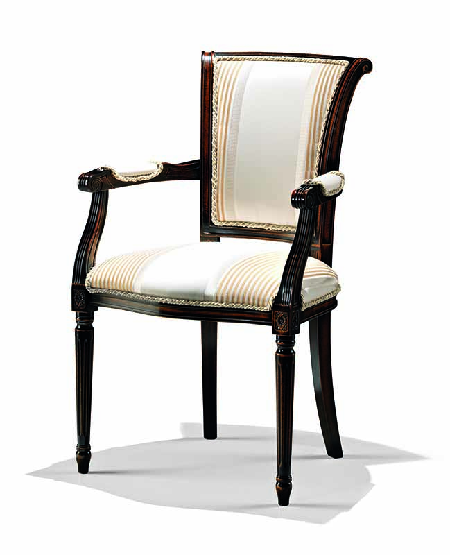 Bakokko_armchair-with-carved-fluted-legs_8021_A