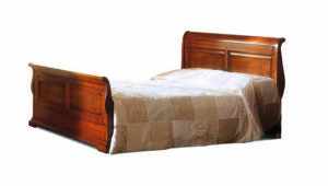 Bakokko_Phedra-bed-with-shaped-headboard-and-footboard_1081V3