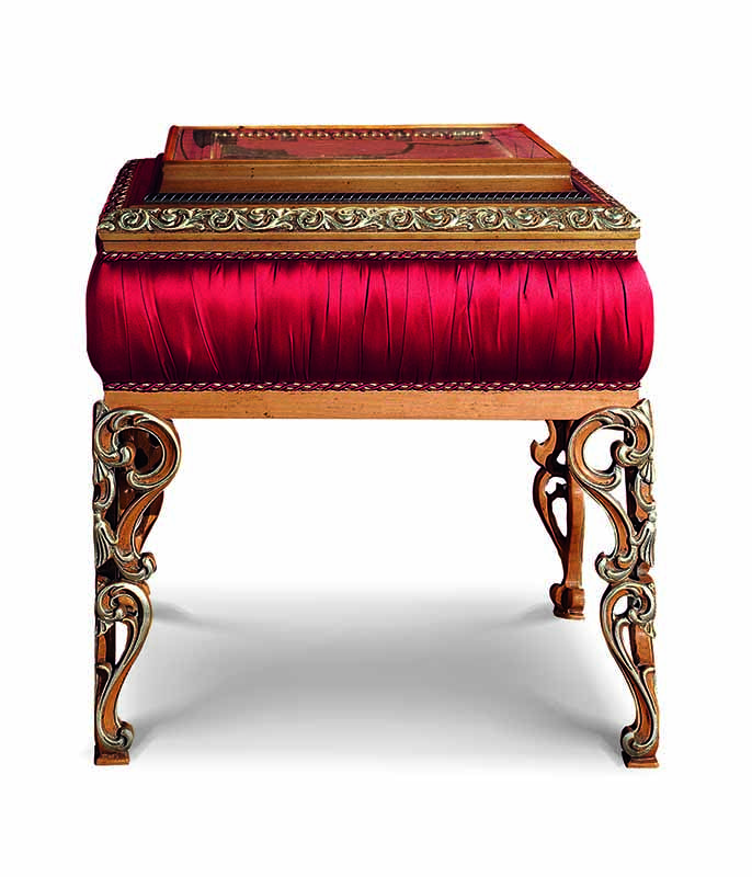 Bakokko_San-Marco-Carved-lamp-table-open-work-leg_4040_TL